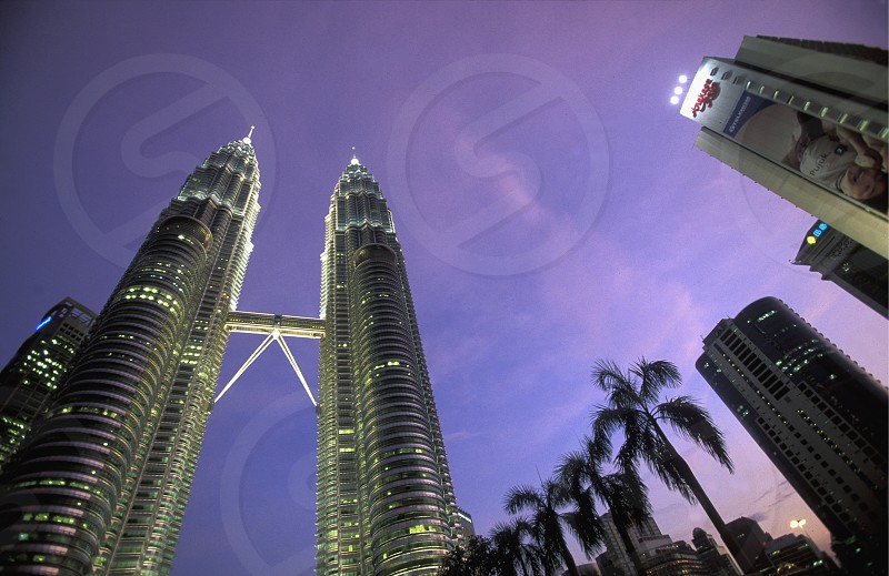 Die Petronas Twin Towers in der Hauptstadt Kuala Lumpur in Malaysia in Suedost Asien. photo