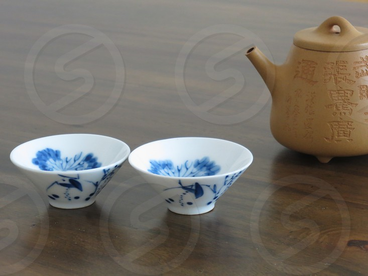 Chinese teapot and cups photo