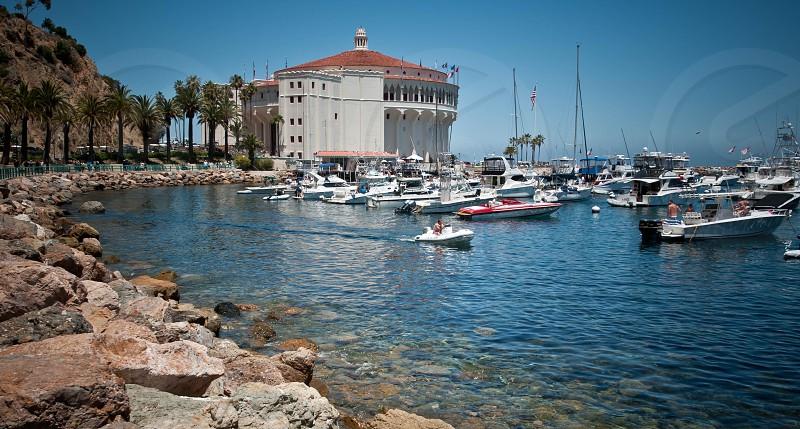 Catalina islandhistorical landmarkboat activity family vacationafternoon outingboat parking photo
