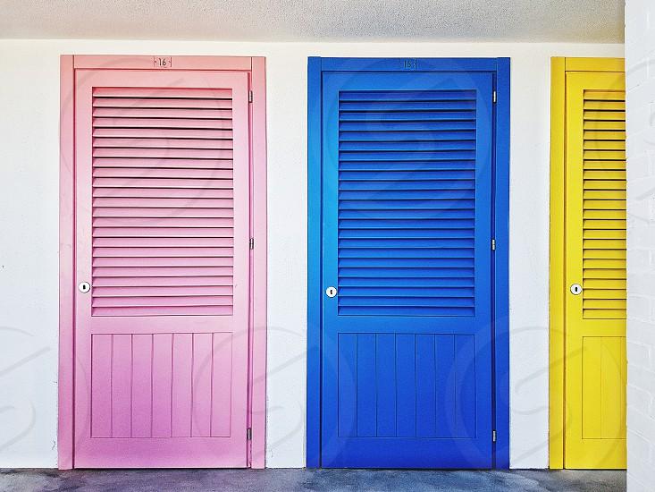 #minimal #minimalism #minimalist #minimalmood #minimalistic #rsa_minimal #minimal_perfection #minimalove #simplicity #minimalobsession #abstract #mindtheminimal #lines #minimalism_world #geo photo