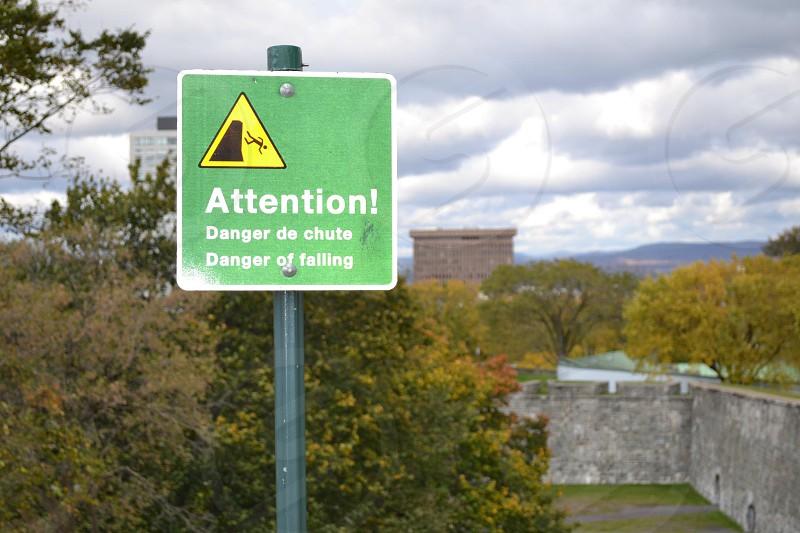 attention danger de chute  danger of falling  sign photo