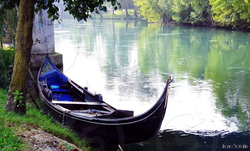 Abandoned gondola photo