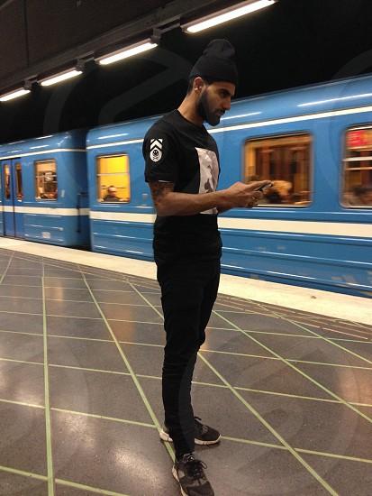 men's black printed t shirt photo