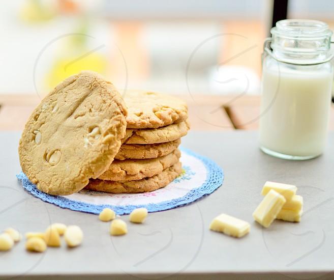 Cookiesmilk white chocolate macadamia chunky treat  photo