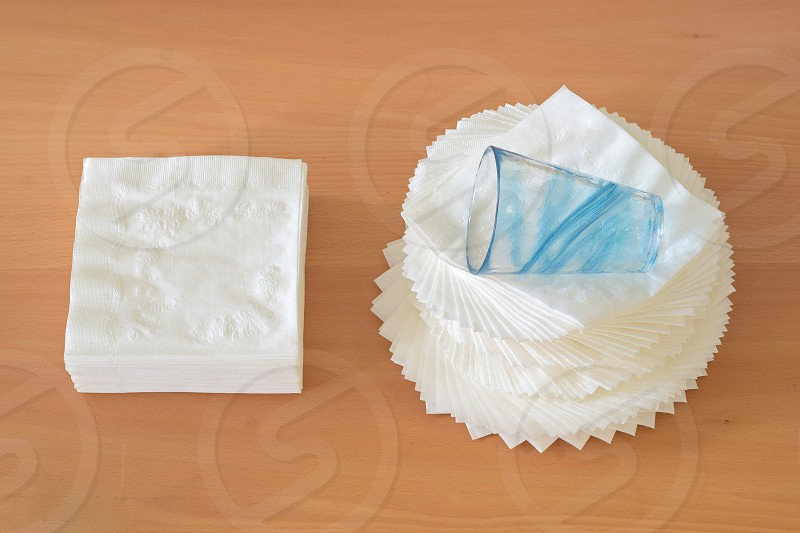 Napkin Twist Table Top Glass photo