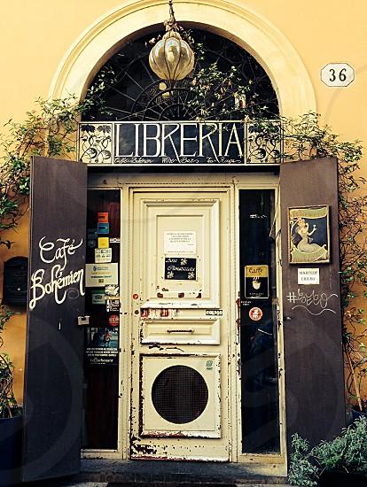 #door #libreria #bookstore #cafè photo