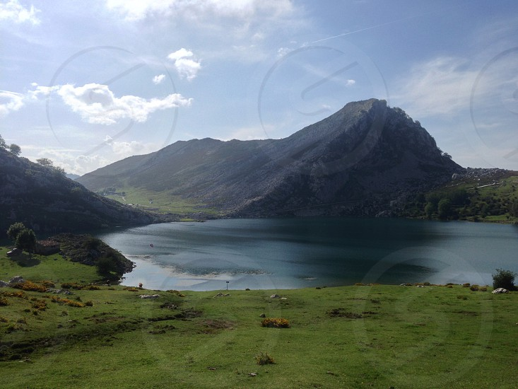 photo of greenfield lake and gray mountain during datyime photo