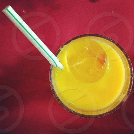 Mango mango Shake Madrid Lavapies hindú juice hindi yogurt mango lassi India straw drink bebida europe Europa photo