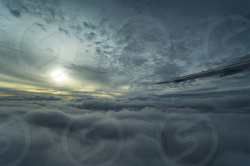 aviation dusk flying clouds sunrise cessna cessna caravan photo