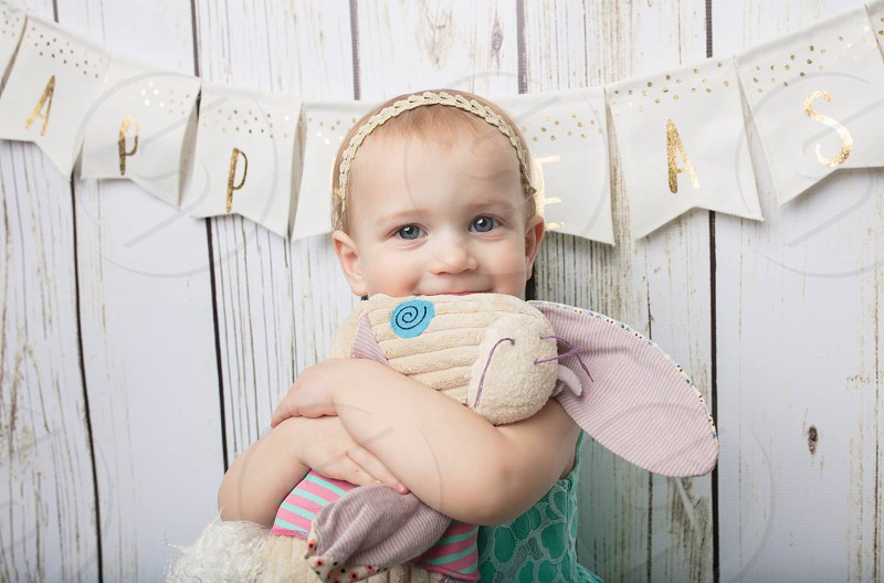Toddler girl easter portratis photo