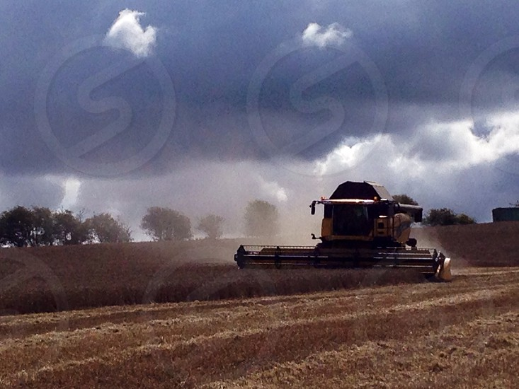 The incoming harvest storm  photo
