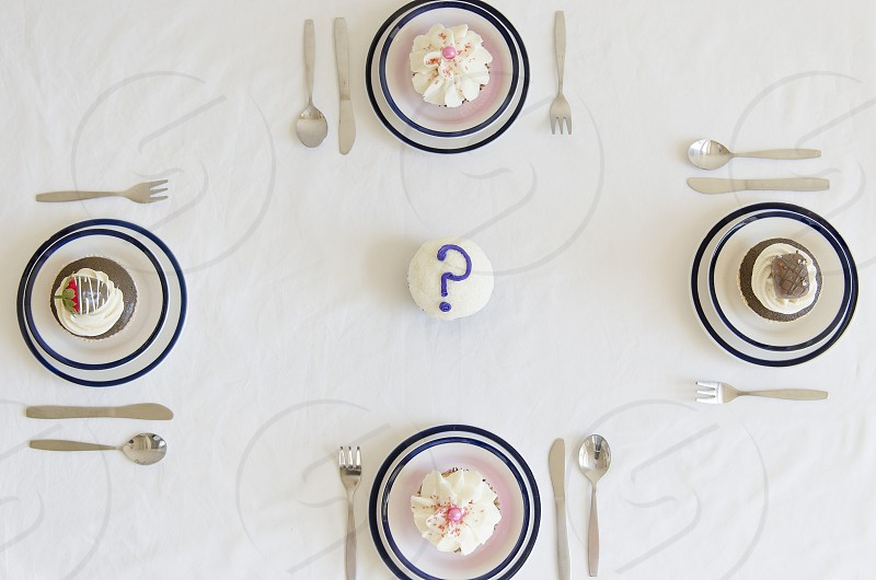 Cupcake question mark table setting photo