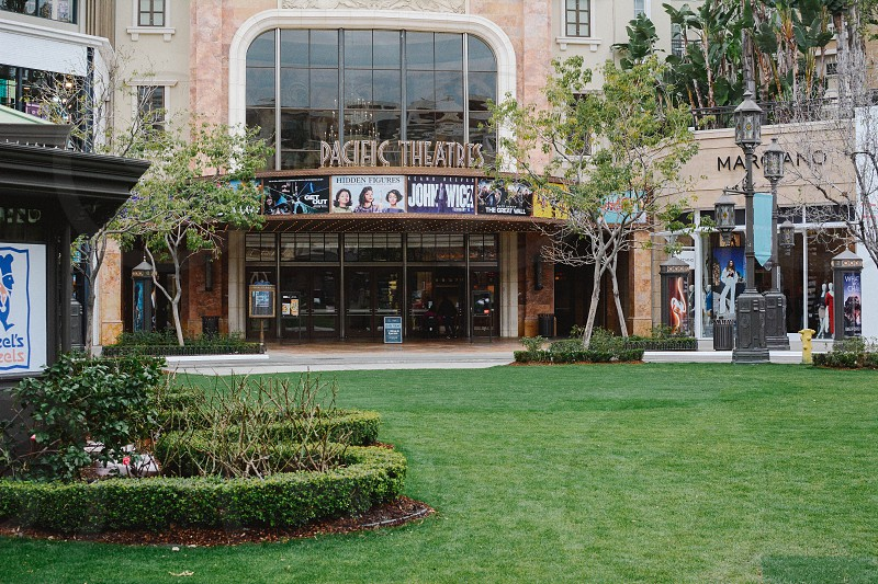 glendale americana shopping center pacific theater water fountain lawn los angeles county photo