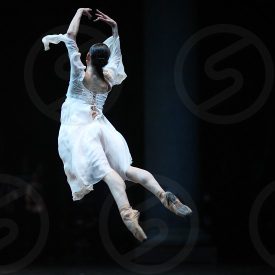 Ballerina fly photo