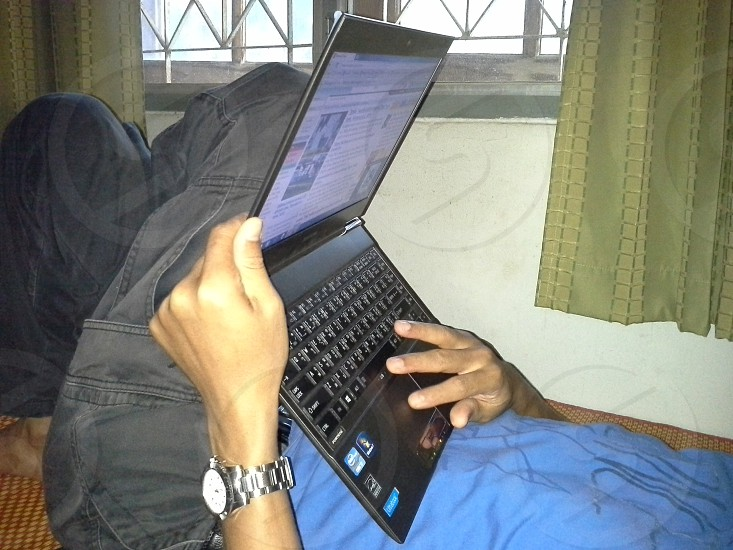 Man use laptop photo