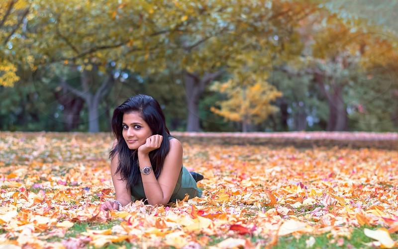 Autumn; portrait; woman; fall; leaves; fashion photo
