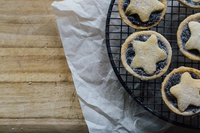 christmas mince pies tarts fruit dried fruit baking food cooking copy space photo