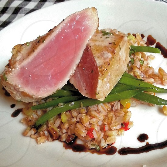 pan seared ahi tuna photo