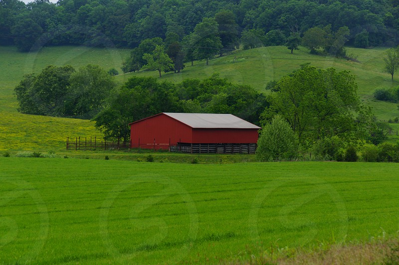 red barn photo
