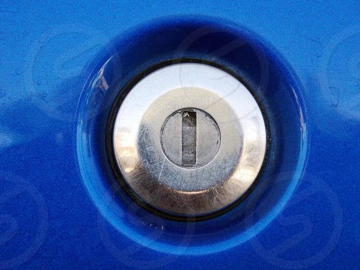 car door keyhole photo
