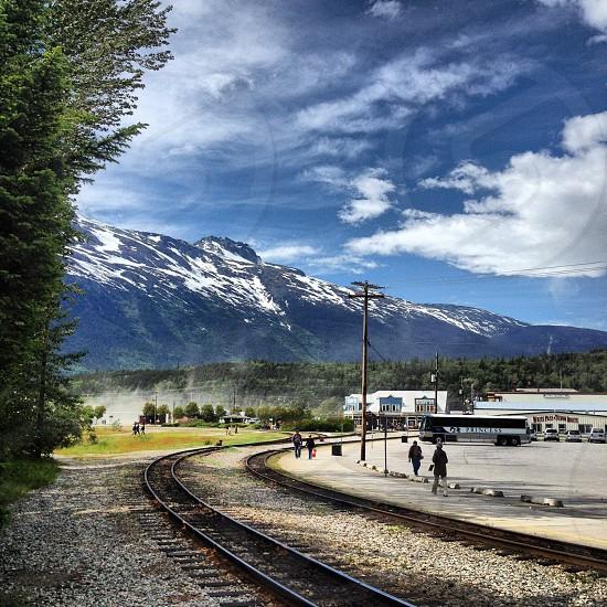 gray train tracks photo