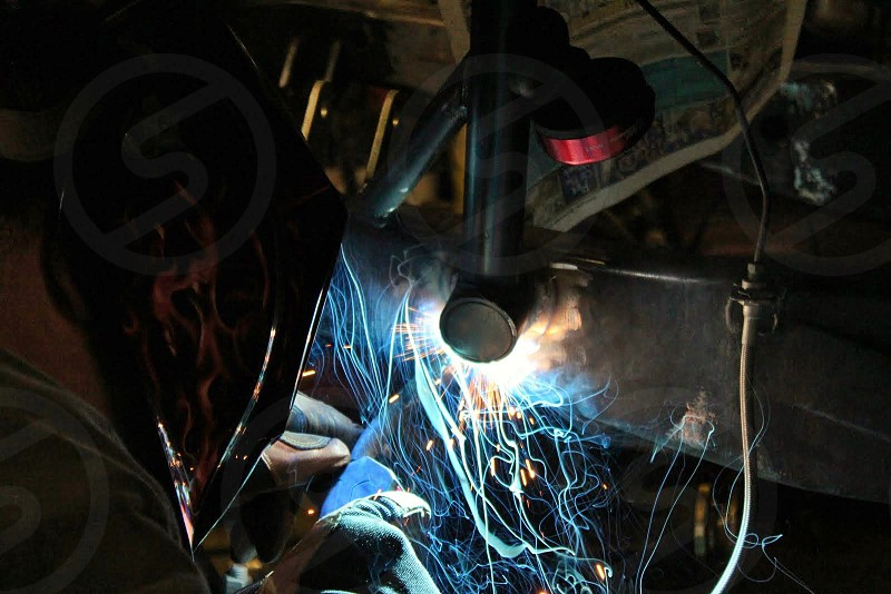 Welder welding photo