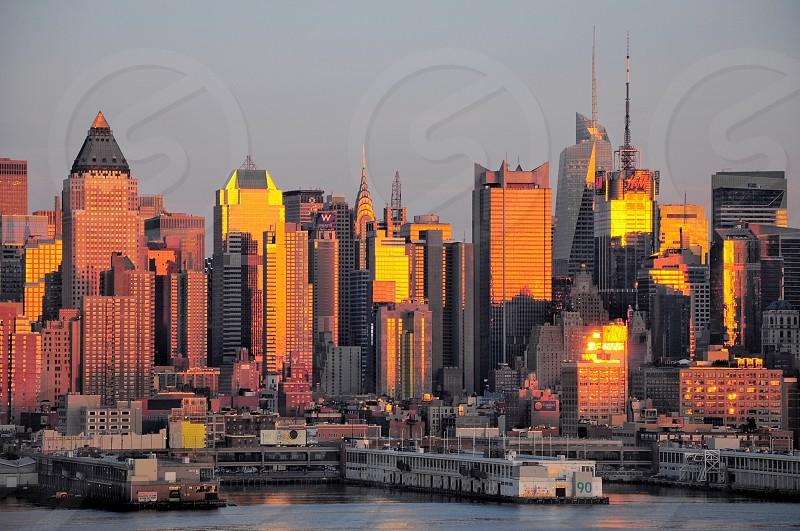 new york skyline under grey sky photo