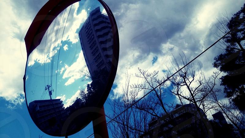 鏡に写った世界(World that reflected in the mirror) photo