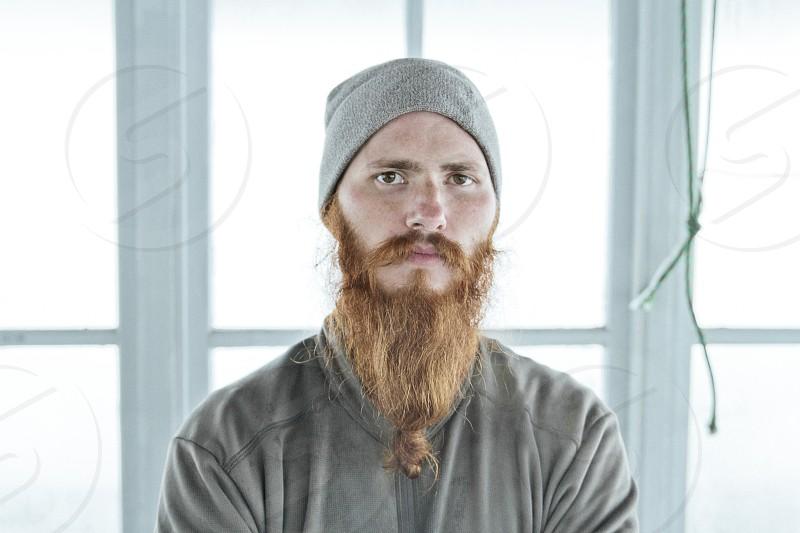 men's grey long sleeved shirt photo