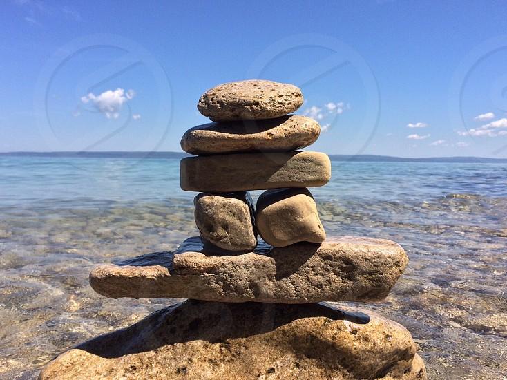 gray rock balancing photo