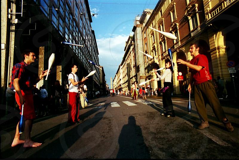 4 street performers photo