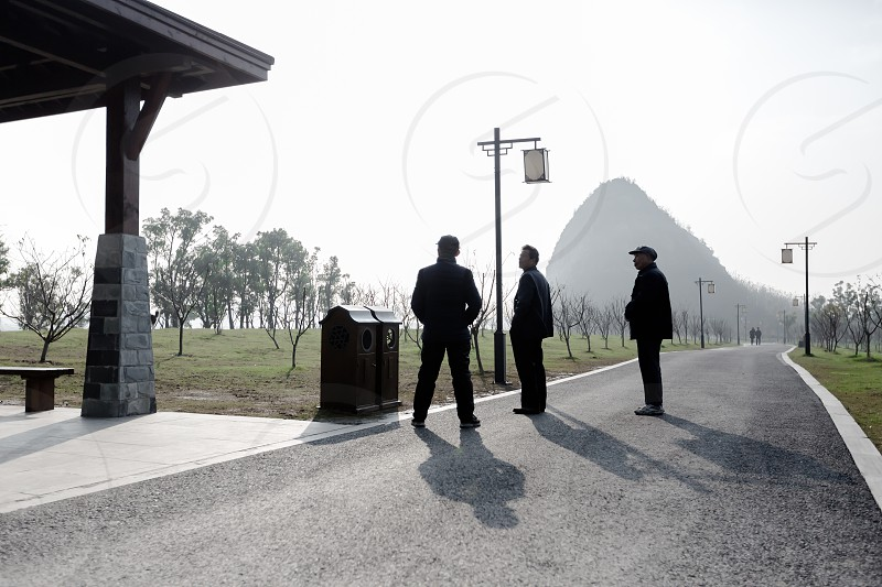 China park morning talk discussion meeting men mountain suzhou enjoy photo