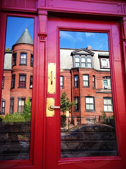 Street reflex creative door red  photo