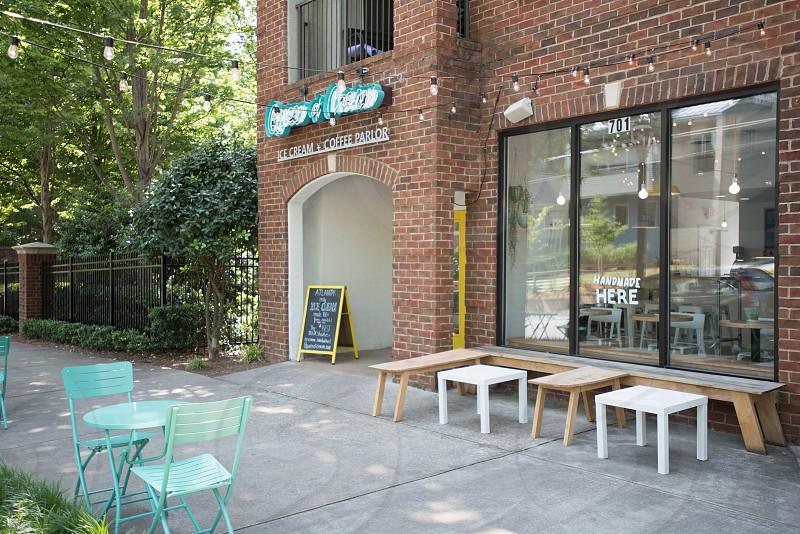 ice cream coffee shop outside photo