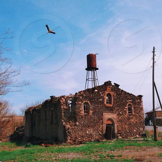 brown church ruines photo