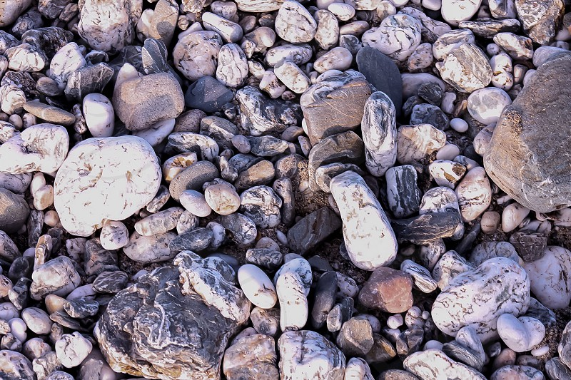 white and brown stones photo