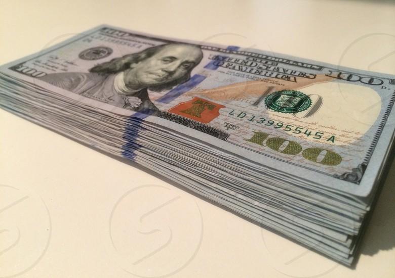 100 us dollar bill photo