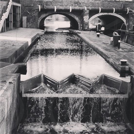 Canal - Canary Wharf London photo