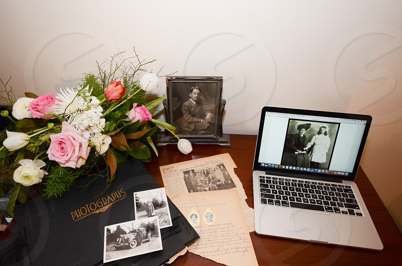 Historian photographs memoir flowers  photo