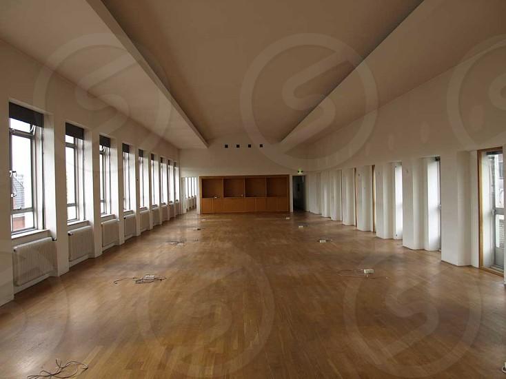 nice clean retail floor photo
