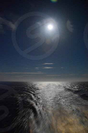 ocean and sun photo