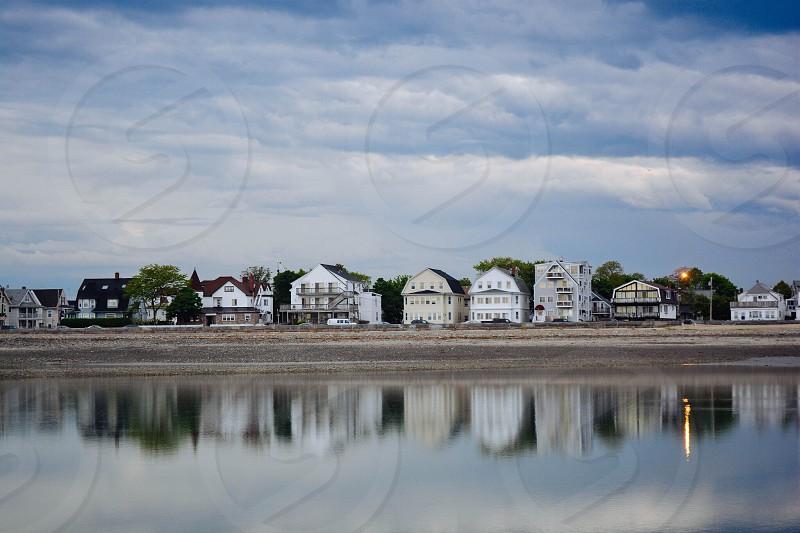 houses byy a lake photo
