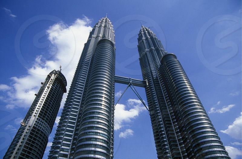 Die Petronas Twin Towers in der Hauptstadt Kuala Lumpur in Malaysia in Suedost Asien. photo