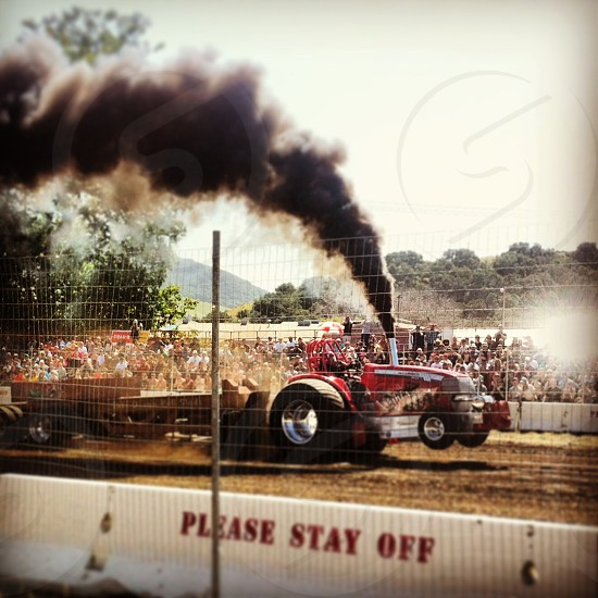 Tractor pull photo