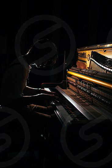 brown piano photo