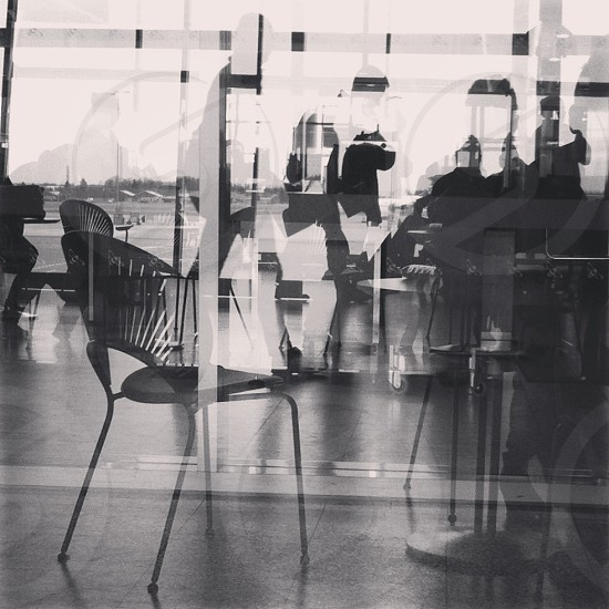 grayscale chair photography  photo