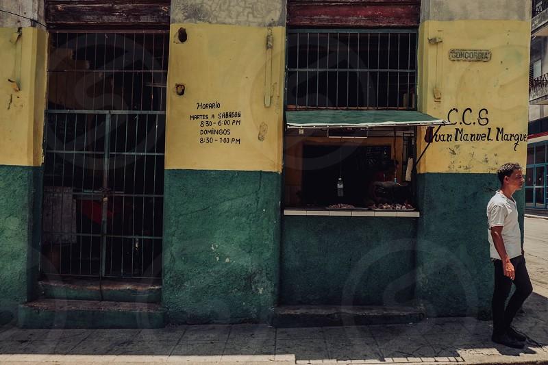 A walk by La Habana in Cuba photo