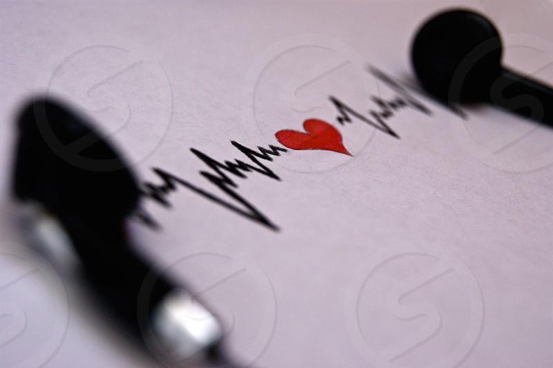 Headphones music beat heartbeat feel macro subject photo