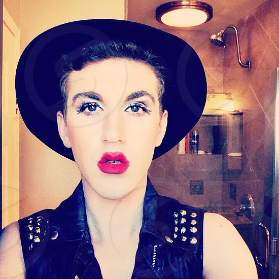 Put Chyo Lipstick on photo