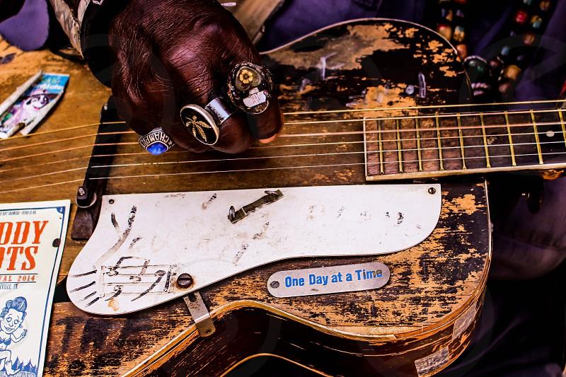 Street musician chattanooga TN photo